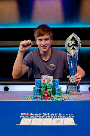 http://www.gioconews.it/images/stories/POKER/champion_viktor_ept8pca_1_d3.jpg